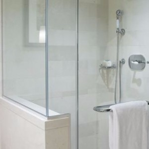 욕실 용 FRAMELESS TEMPERED GLASS DOOR